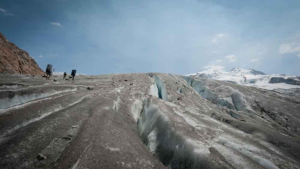Sur le glacier bloc cabane mont rose