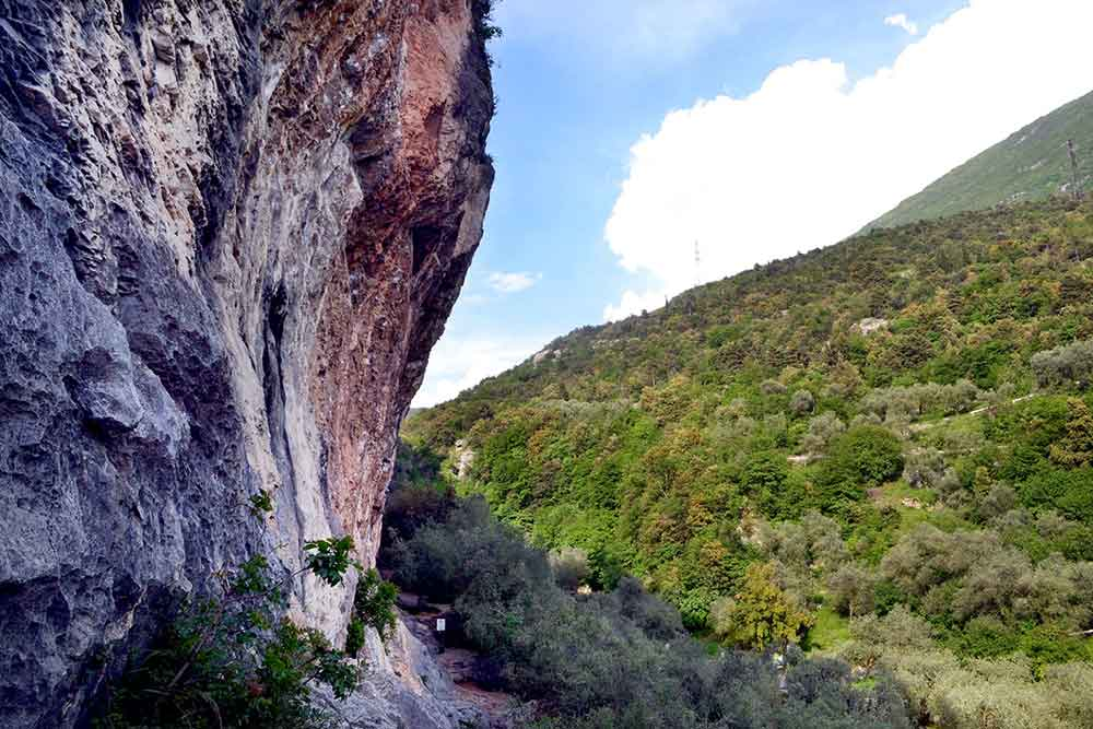 arco falaise mythique italie