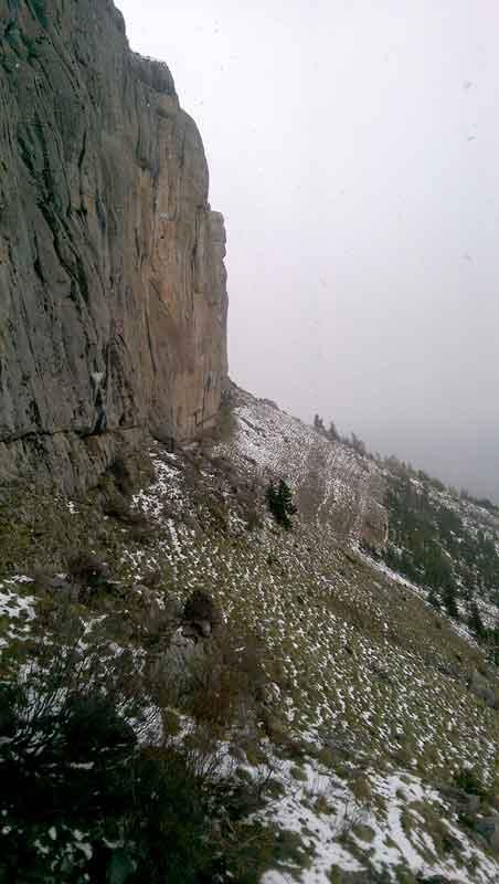 falaise de ceuse sous la neige