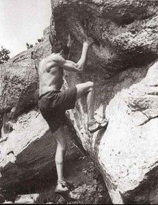 Pierre Allain sur les rochers de Fontainebleau