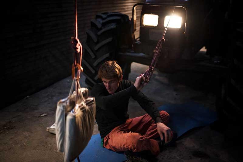 Seb dans une prépa spécifique entre les essais dans MOVE et sous les sunlights Norvégiens – photo R.FOURAU