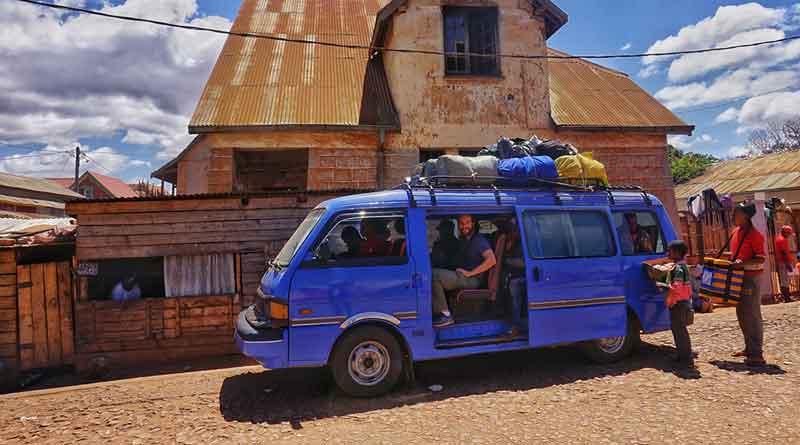 taxi brousse pour le Tsaranoro