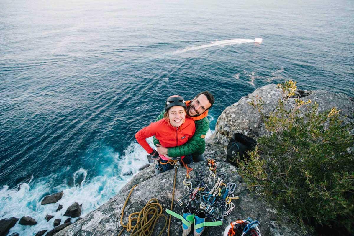 chloe et colin en haut de la falaise